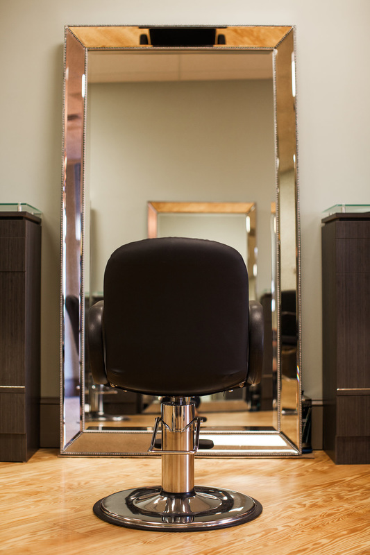 Asalon hair stylist station with big mirror